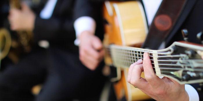 paul-wedding-guitar-6